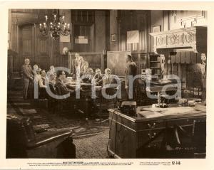 1952 WALK EAST ON BEACON Movie by Alfred WERKER Mathematicians at work *Photo