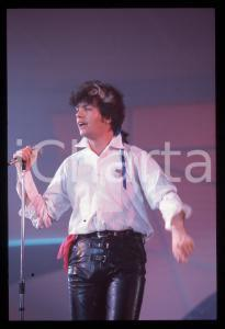 35mm vintage slide* 1984 MUSICA - THE MIGHTY WAH Pete WYLIE canta Come Back