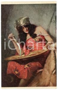 1910 ca COSTUMES Gypsy woman with knife - Embossed postcard - CARTE OLIO