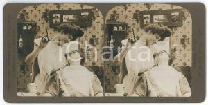 1908 USA The new woman barber - Photo American Stereoscopic Co.