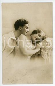 1910 ca COUPLE Two lovers in bed - Vintage postcard lingerie