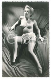 1960 ca EROTICA VINTAGE Nude woman with stockings - Photo